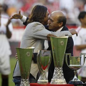 Hilo Oficial - Sevilla F.C. Strong_DESPEDIDA_strong_Javi_Navarro