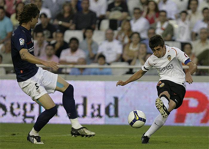 Pablo Hernández sustituye a Iniesta