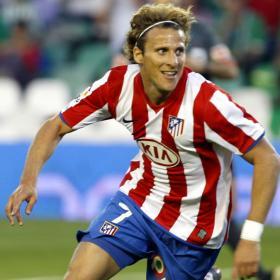 Si Villa no da la cara, el elegido es Diego Forlán