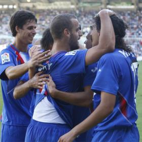 Liga BBVA: JORNADA 1  RACING DE SANTANDER 1-GETAFE 4 Varios_jugadores_Getafe_celebrando_goles