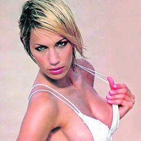 LAS CHICAS DEL AS - LA CONTRAPORTADA - Página 3 Ingrid_vedette_San_Lorenzo