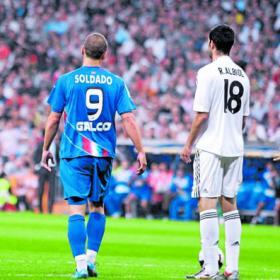Competición no le quita la Roja a Albiol. Competicion_le_quita_roja_Albiol