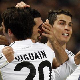 El Madrid celebra los goles de Cristiano