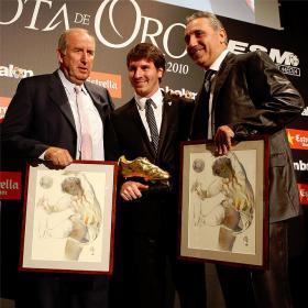 Lionel Messi recibe la Bota de Oro 2010