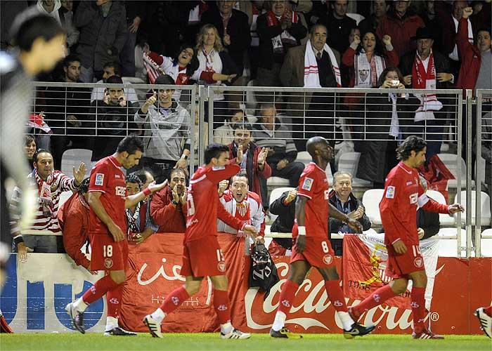 El Sevilla golea al Real Unión y sentencia