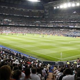 El derbi llena por primera vez el Bernabéu en Liga