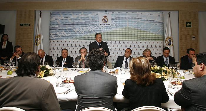 """Florentino: """"Mourinho es el mejor del mundo"""""""
