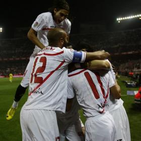 El Sevilla noquea al Villarreal y es el primer semifinalista