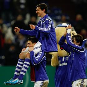 El 'Raúl alemán' mete al Schalke en semifinales en la prórroga