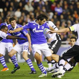 El Valencia juega un igualado partido ante el Schalke 04 Valencia_puede_Raul