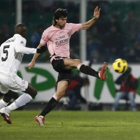 El Palermo confirma oferta del Chelsea por Pastore
