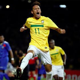 Neymar saca el puñal y Pato el bazoka