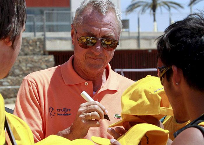 """Cruyff: """"Si el Barça quiere a Cesc, tendrá que pagar"""""""