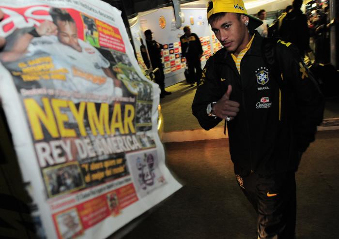 Neymar ya tiene su contrato con el Madrid