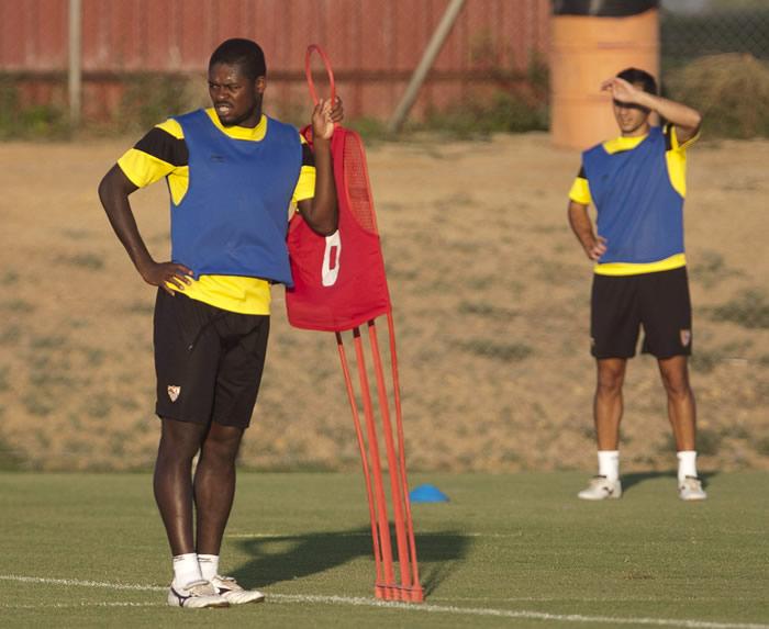 El Sevilla traspasa a Romaric al Bursaspor turco