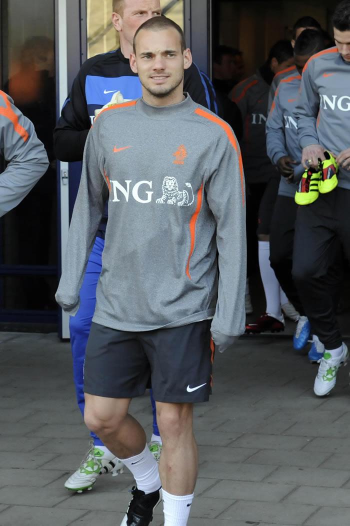 Sneijder podría marcharse al United por 35 millones