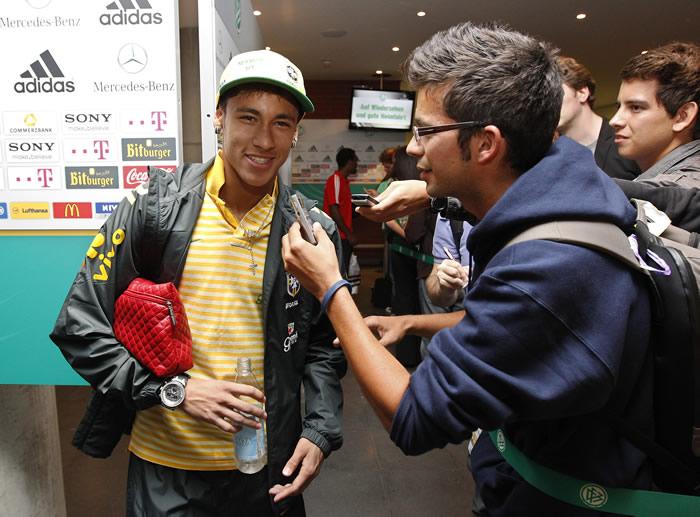 "Neymar: ""No descarto ni al Madrid ni al Barça"""