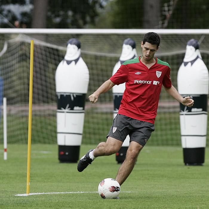 Iraola se entrena y estaría disponible para Estambul