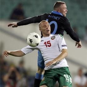 Inglaterra se sitúa líder de grupo y complica a Bulgaria