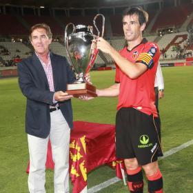 Alves y Jonás dan el triangular al Valencia