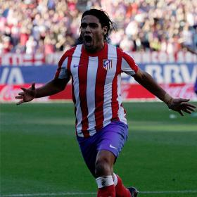 El 'Tigre' Falcao abusa del Racing con un hat-trick