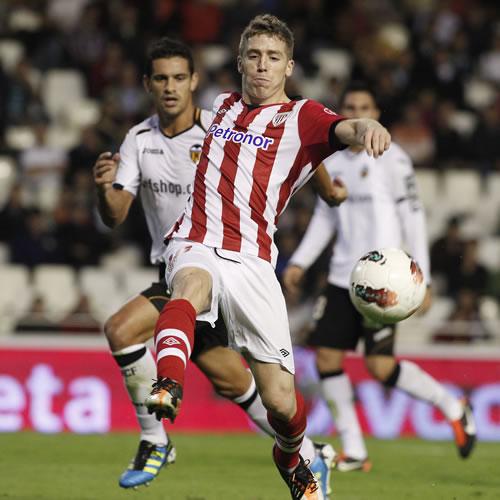 Soldado equilibra el golazo marcado por Iker Muniain