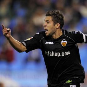Un error defensivo del Zaragoza da vida al Valencia