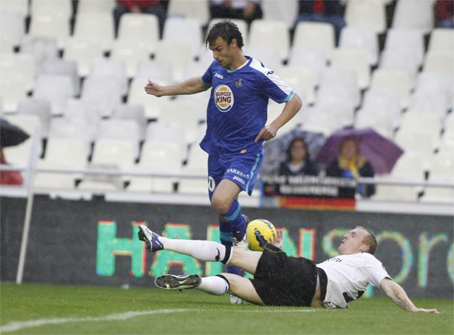 El Valencia ganó ante un Getafe que se mete abajo