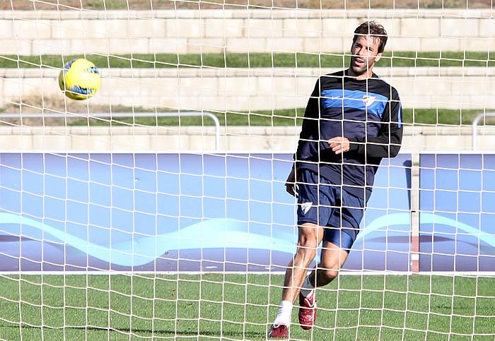 OK a Van Nistelrooy, que se apunta a Santander
