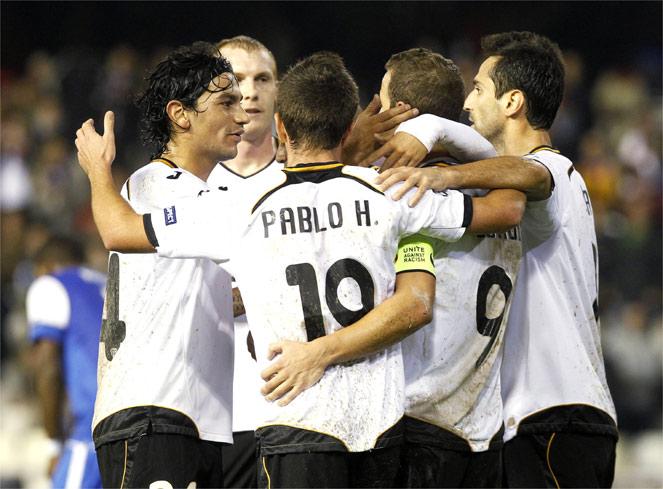 El Valencia hace los deberes con un festival de goles