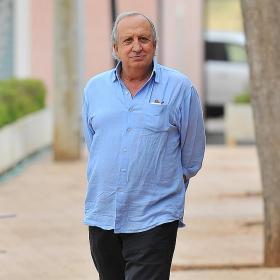 Las comisiones por Alfaro desatan un frente en el club