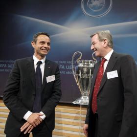 La FIFA amenaza con echar al Basilea de la Champions