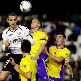 El Valencia no da opción a un combativo Cádiz