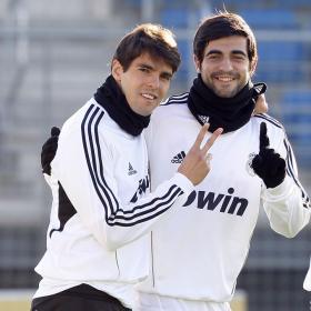 La lesión de Di María da paso a Kaká como titular