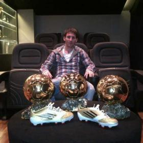 Messi ofrece los Balones de Oro a través de Facebook