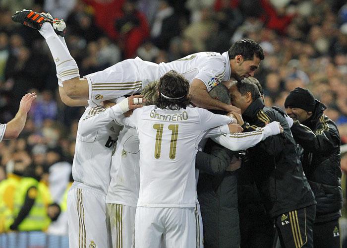 El Madrid camina hacia los 100 puntos y 129 goles