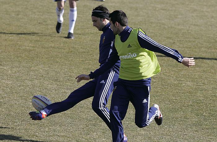 Postiga y Aranda pelean por un puesto en la delantera