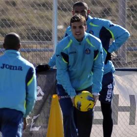 El Getafe no arriesga con Pedro León y no estará ante el Betis