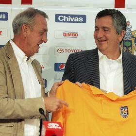 """Podemos estudiar traer a Guardiola si Cruyff lo pide"""
