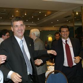 Exdirectivos del Barcelona avalan la tesis del Villarato
