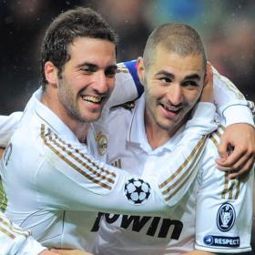 Mourinho medita poner a Benzema e Higuaín juntos