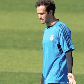Ricardo Carvalho será baja: sufre una rotura fibrilar