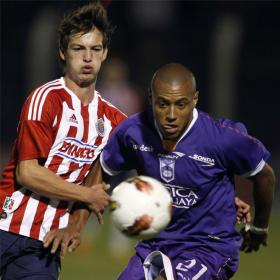 El Defensor Sporting ganó con esfuerzo al Chivas