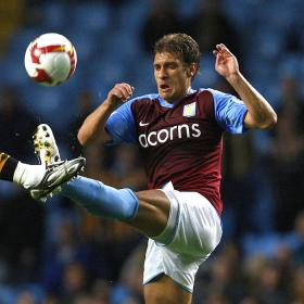 Petrov, capitán del Aston Villa, sufre 'leucemia aguda'