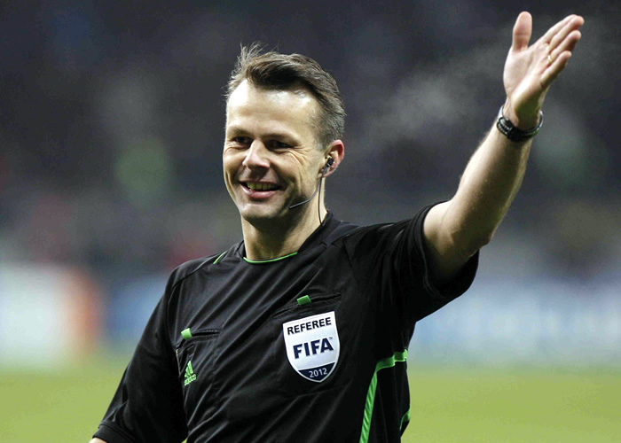 El holandés Kuipers arbitrará el Barcelona-Milán