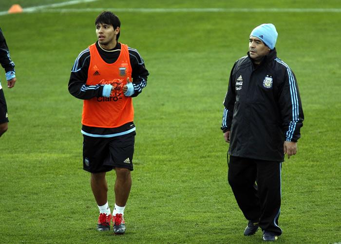 """Maradona: """"Agüero tiene que jugar en el Real Madrid"""""""