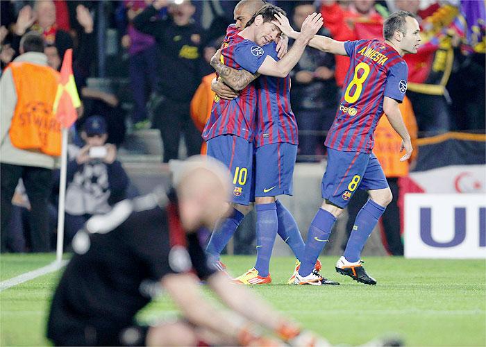 El Barça vence a la angustia