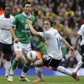 El Tottenham pierde y se complica jugar la Champions