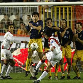 El Atleti ganó en Vallecas  tres de sus diez partidos