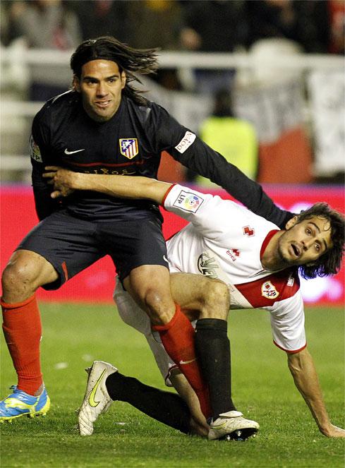 Falcao deja al Atlético a seis puntos de la Champions